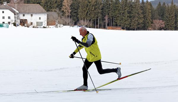 man-skiing